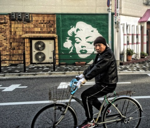Osaka bicycle Marilyn Monroe