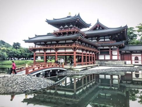 Byodoin Buddhist Temple in Uji, Japan. Photo by Sydney Solis