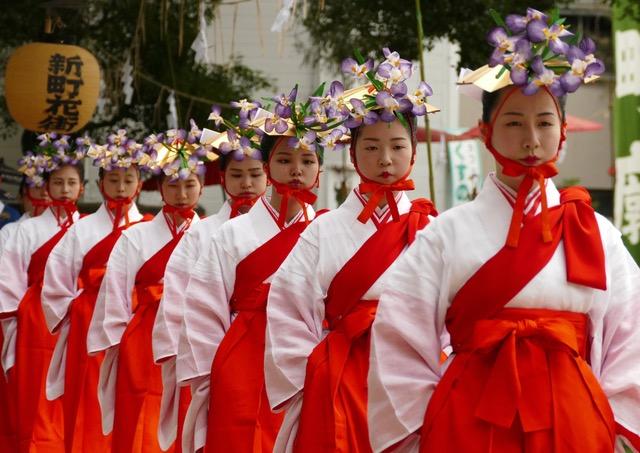 Yaotome during a procession of Otaue at Sumiyoshi Taisha Shinto Shrine. Photo by Sydney Solis.