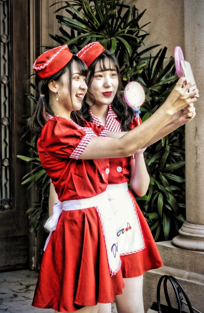 Hard to find a group or pair not taking a selfie! Universal Studios Japan! Photo by Sydney Solis