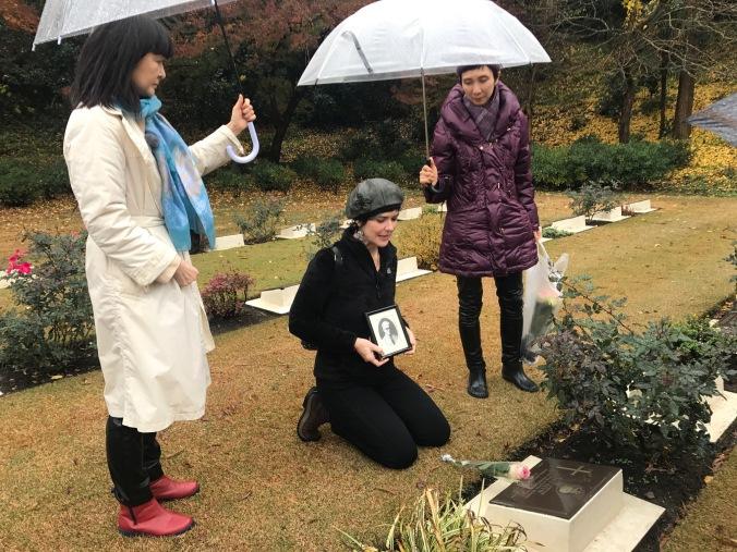 Yokohama War Cemetery POW grave